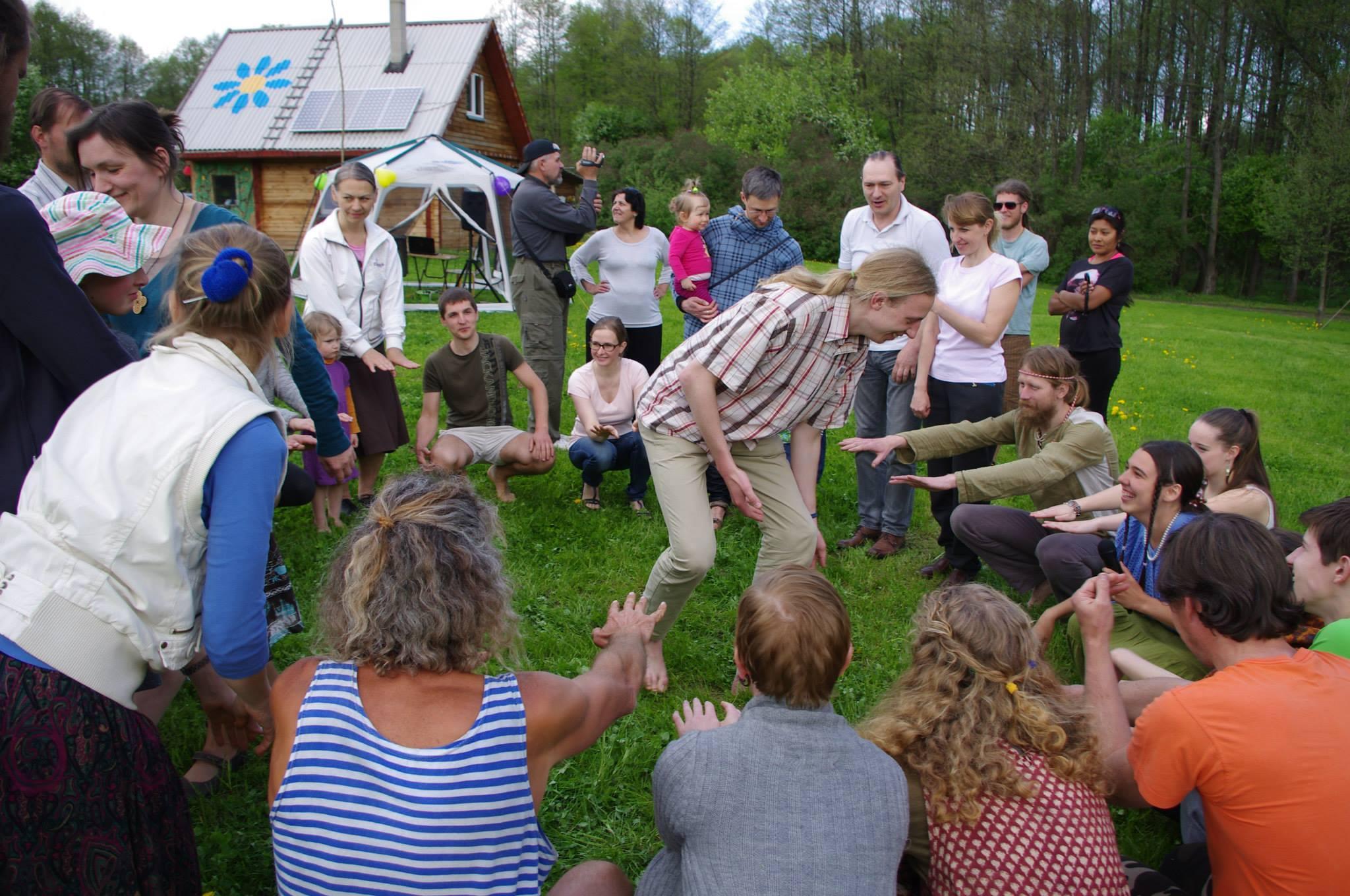 Tradicinė žaidimų, šokių ir linksmybių šventė